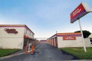 Public Storage - Inglewood - 10833 S Prairie Ave