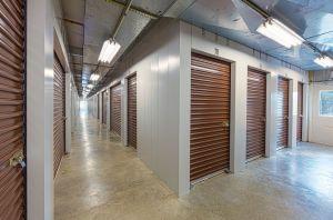 storage units easton md