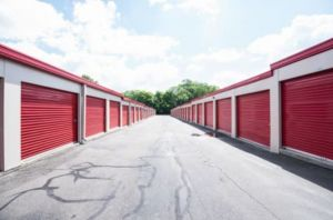 Storage Rentals of America - Waterbury - East Main St