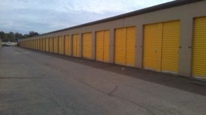 Life Storage - Warren - Elm Road Northeast