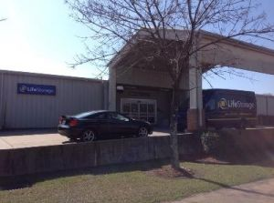 Photo of Life Storage - Jackson - 5961 I-55 North