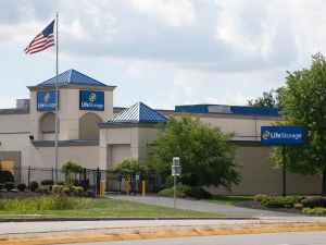 Photo of Life Storage - Buffalo - Sheridan Drive