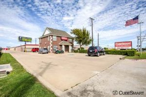 Photo of CubeSmart Self Storage - Fort Worth - 5637 Basswood Blvd