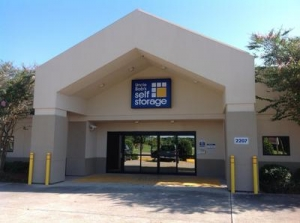 Photo of Uncle Bob's Self Storage - Lafayette - W Pinhook Rd