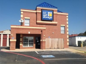 Photo of Uncle Bob's Self Storage - Arlington - Little
